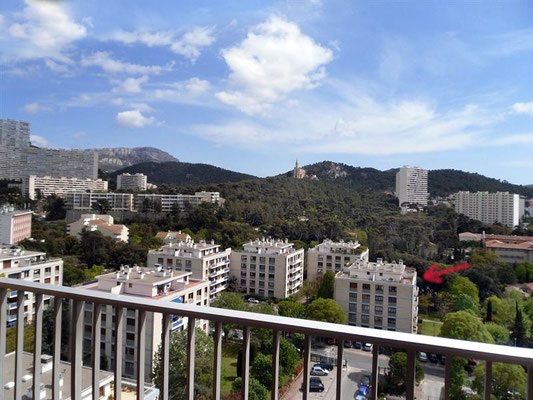 View of Yvonne's apartment building. Image courtesy of Hasan Selisik