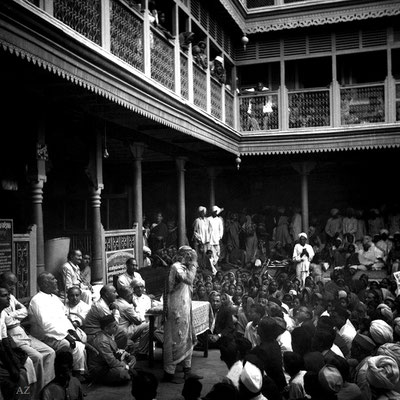 6th Nov. Saint Gadge Maharajgiving a speech at his Dharamshala, Pandharpur