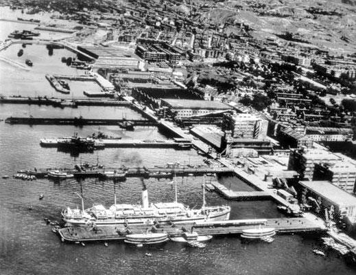 Kowloon Wharf - 1945