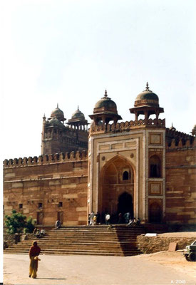 Fatehpur Sikri - King's Gate