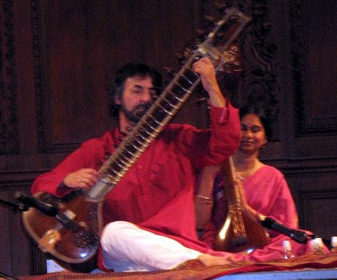 Michael Siegell & his wife Laxmi performing