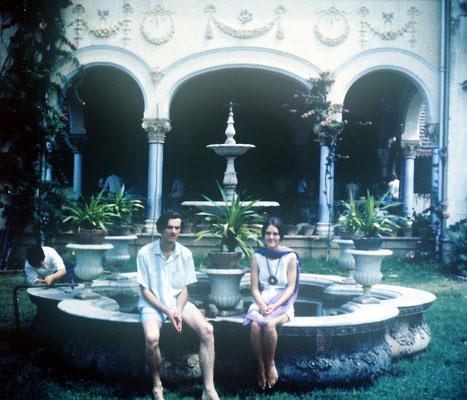 1969 : Teri & Clive Adams at Guruprasad. Image courtesy of Teri Adams