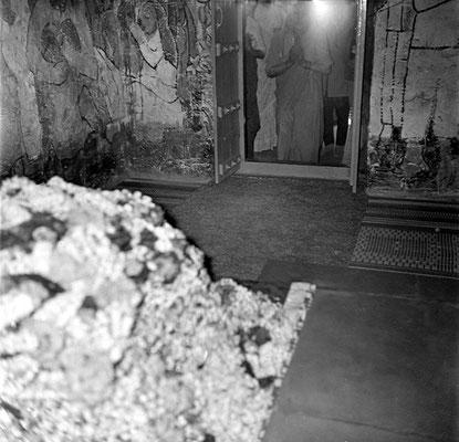 1970 : Mehera Irani at the doorway to the Samadhi.  Inside Meher Baba Samadhi. Courtesy of the Sriramamoorthy Collection @ AMBCCPT, INDIA