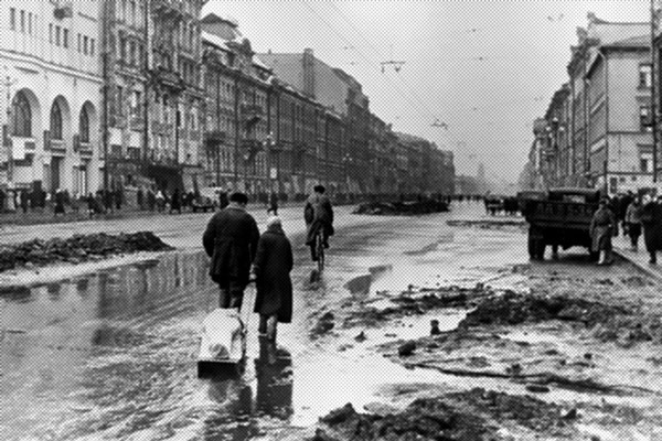 Scene inside Leningrad ( St.Petersburg ) during the siege of the city