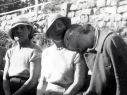 "Agra, India. Vivienne resting her head on Kitty Davy & Mabel Ryan observing. Courtesy of  DVD ""I am the One Reality"" & ECP Archives."