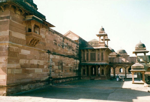 Photo taken by Lyn Haldeman 1988 ; Fatehpur Sikri