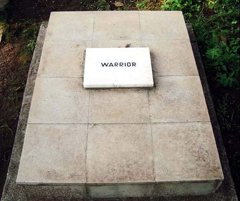 Warrior the Alsation dog's tomb