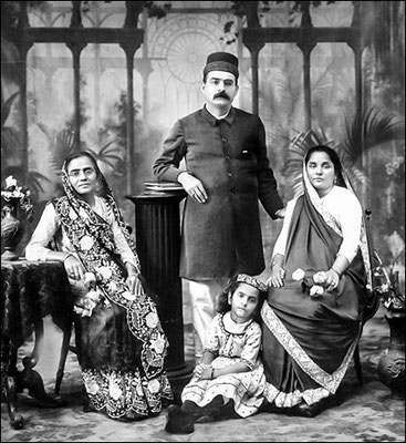 Khorshed as a child with her Aunt Moti ( left) and her father and mother, in Bombay 1918-'19 - Photo courtesy of MN Publications