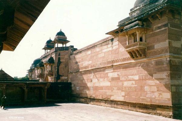 Photo taken by Lyn Haldeman 1988 ; Fatehpur Sikri