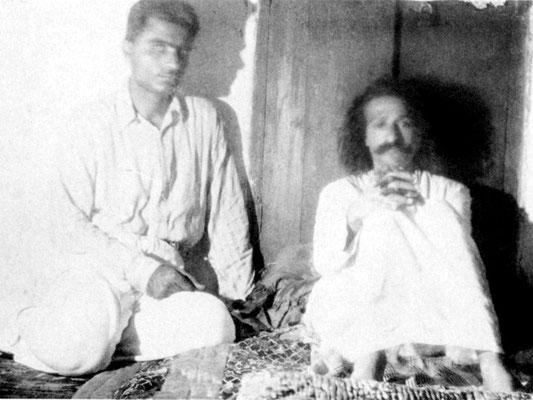 1923 : Baba with Rustom Irani
