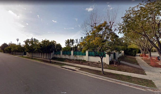 2017 ; the house has been cleared. Courtesy of Google Street View