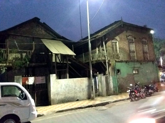 Feb.2020 : Merwan's old family home on Pandita Ramabai Road next door to Sheriar Cafe. Image courtesy of Laurel & Glenn Mangrini.