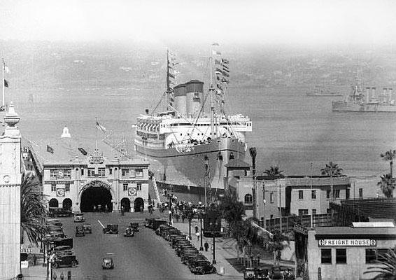 1930s ; S.S. Monterey in San Diego