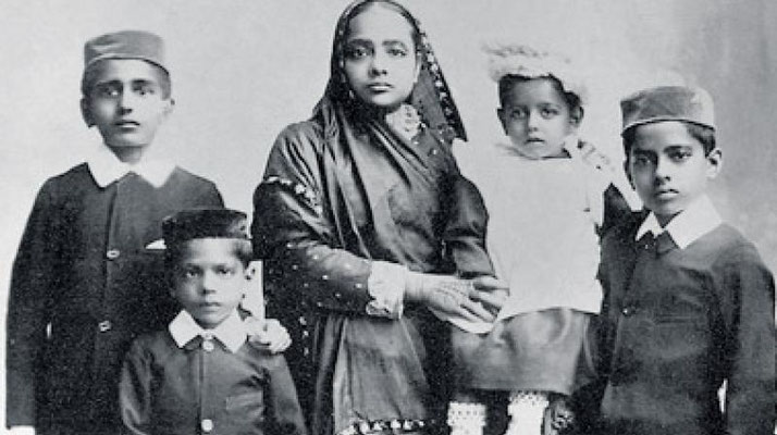Kasturba Gandhi and her four sons in South-Africa