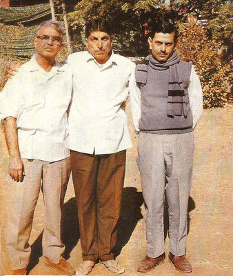 Amatithi 1975, with cousin Elcha Mistry & brother Meherwan Jessawala-photo : Anthony Zois
