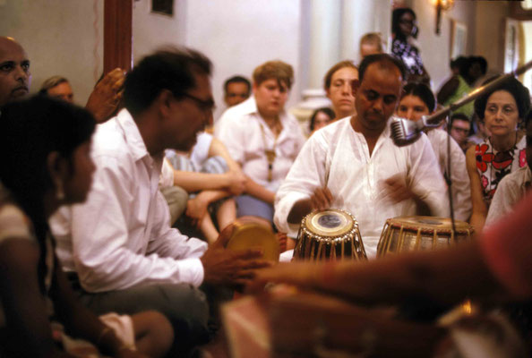 Madhusudan & Eastern musicians. Courtesy of Larry & Rita Karrasch