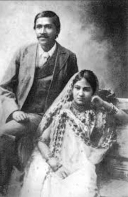 Aurobindo with his wife Mrinalini Devi