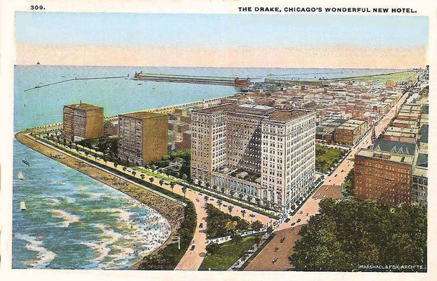 CHICAGO - EAST LAKE SHORE DRIVE - OAK STREET BEACH - DRAKE HOTEL