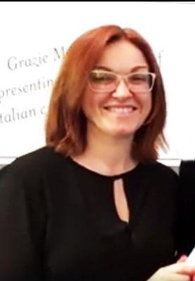 Claudia Knapp