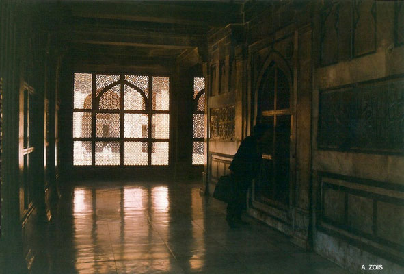Salim Christi's Tomb - inside passage view at dusk