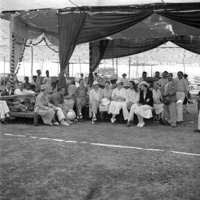 MSI Collection ;1937 - Nasik, India - Margaret is seated in the middle without a hat
