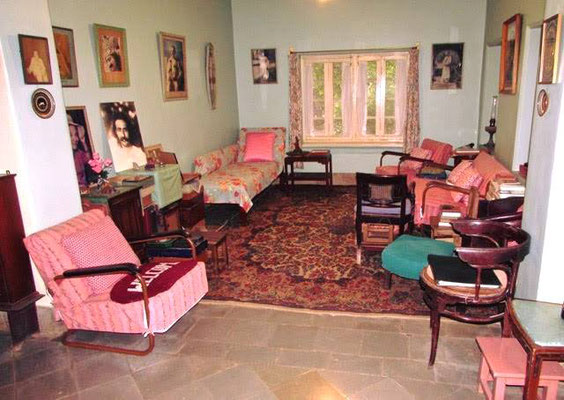 2018 ; The Sitting Room as you enter the Main Bungalow. Note Baba's gadi-couch