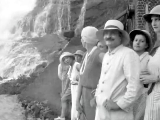 "Bhandardara, India. Vivienne ( far right )Courtesy of  DVD ""I am the One Reality"" & ECP Archives."