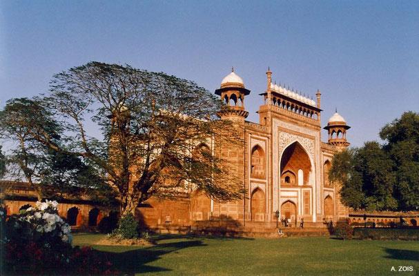 Photo taken by Anthony Zois 1988 - Gateway of the Taj Mahal