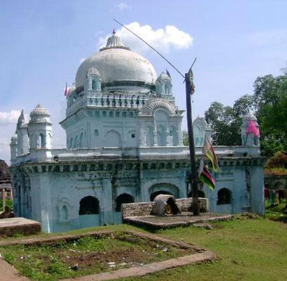 Rajrajeshwari Temple in Mandla