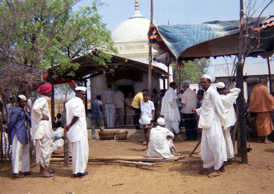 1969 : U.Meherabad - the Samadhi. Image courtesy of Teri Adams