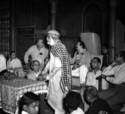 6th Nov.  Saint Gadge Maharaj giving a speech about Meher Baba at his Dharamshala, Pandharpur
