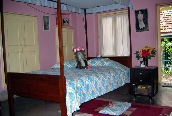2004 - Baba's bedroom ; photo taken by Sher DiMaggio