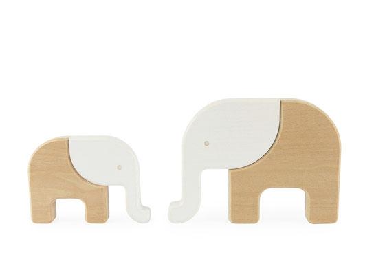 Elefanten als Holzspielzeug