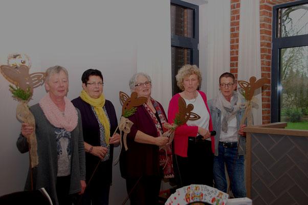 ausscheidende OVF: Elke Hogenkamp (Kuhlenkamp), Hannelore Ballerstein (Schwarme), Ilse-Marie Rengstorf (Hoyerhagen), Renate Meyer (Asendorf)