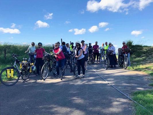Radgruppe 2 auf dem Weg zur Fähre