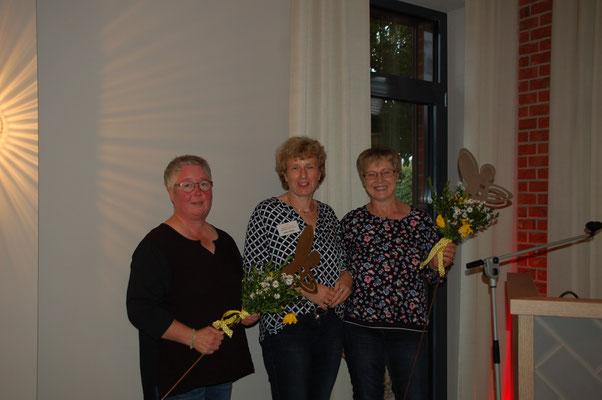 Als Ortsvertreterin verabschiedet wurden Dagmar Focke - Affendorf - (links) und Barbara Engelke - Brebber (rechts). © I. Homfeld