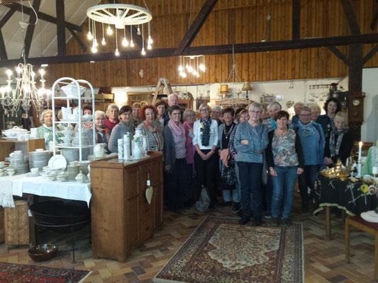 Reisegruppe im Café Bukowski