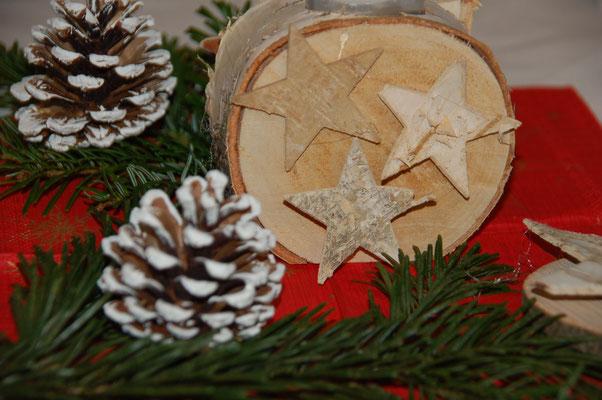 Weihnachtsdekoration, gefertigt von Mitgliedern des Bezirks 7