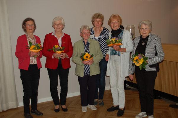Geehrt für 50jährige Mitgliedschaft (v.l.): Irma Ficker (Hoya), Annegret Castens (Hassel), Erika Hatesohl (Homfeld), Margret Dunekacke (Asendorf), Hanna Meinke (Graue) © I. Homfeld