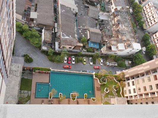 Pool im 5. Stock des Hauses