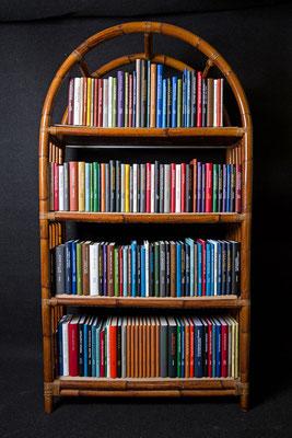 Monographiensammlung  mit Titelprägung in Arial 16 und 24 Punkt
