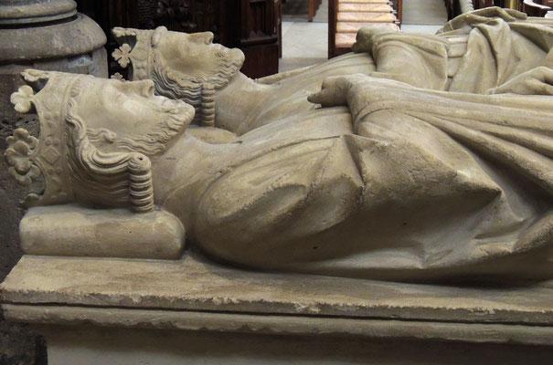 I giacenti dei re Clodoveo II° e Carlo Martello