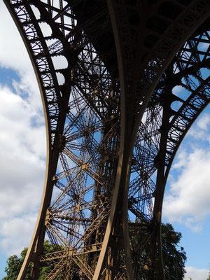 Un pilone della Tour Eiffel