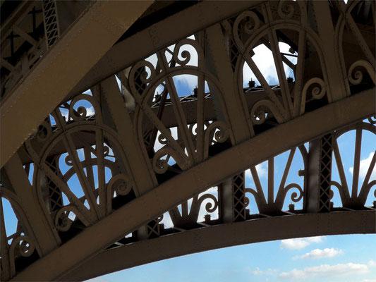 Un dettaglio del decoro della Tour Eiffel
