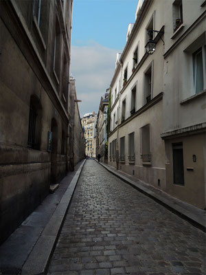 Una via del quartiere latino