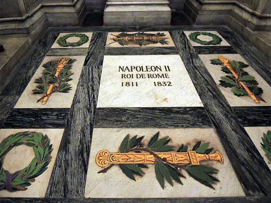 La stèle des cendres de Napoléon II dans la crypte