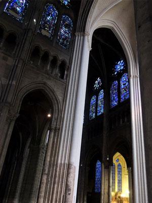 Une vue de l'intérieur de la cathédrale