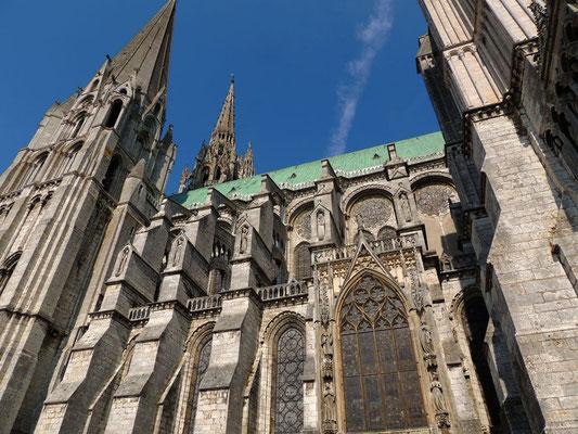 Il lato Sud della cattedrale e la cappella Vendôme