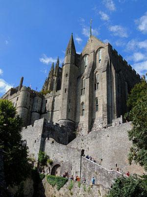 L'abbaye vue de l'extérieur avec la Merveille