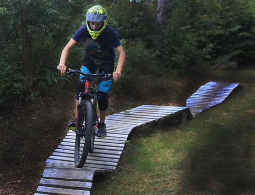 Simon Henker (14 Jahre) - Bikepark